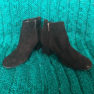 Kenneth Cole Road Stop Block Heel Booties size 7.5